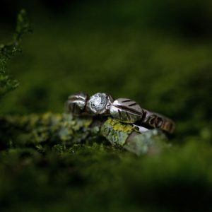 silver-stone-Woodland ring
