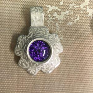 making a glass cabochon pendant