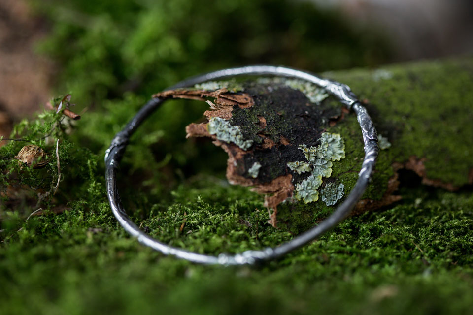 Silver bangle design